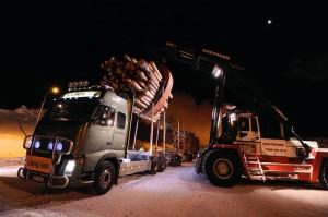Volvo oplen - prodloužený speciál na svoz dřeva